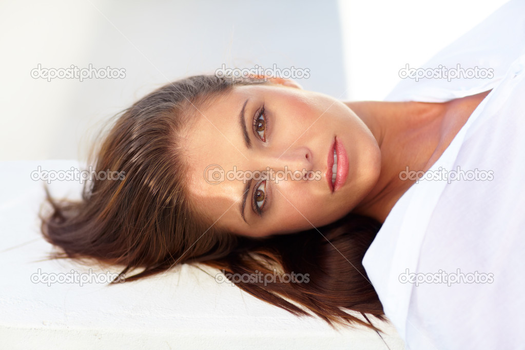 Portrait of a gorgeous young woman looking at you — Stock Photo #12238991