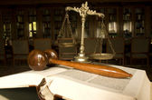 Scales of Justice and Judge`s gavel — Foto Stock