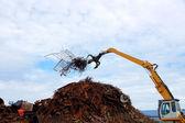 Unloading of scrap metal — Stock Photo