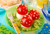 Fly agaric made from egg and tomato — Stockfoto