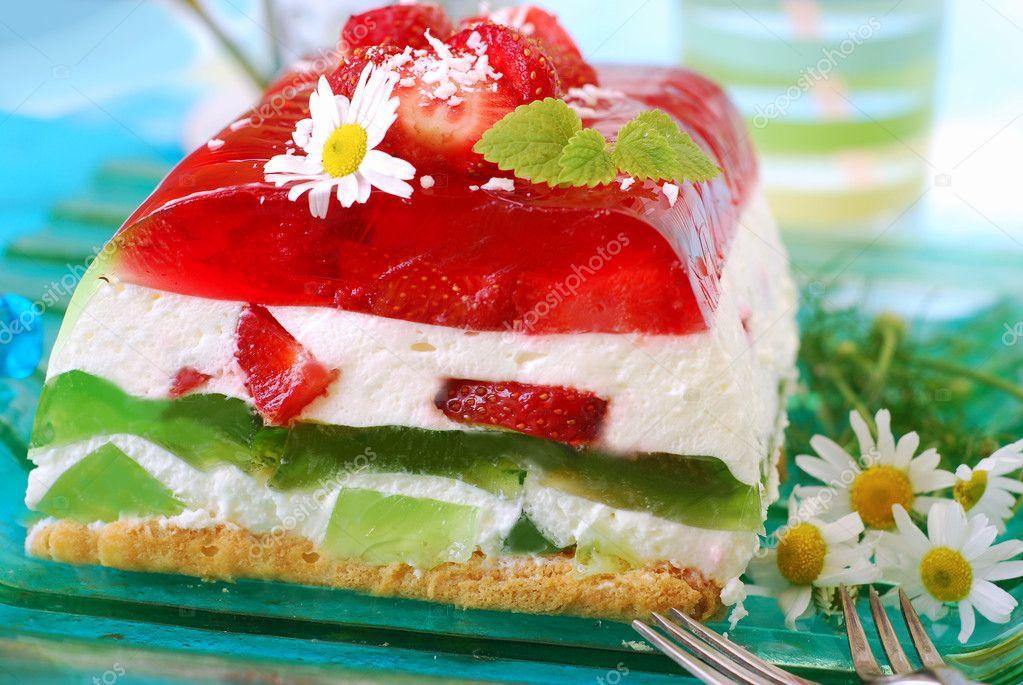 Торт с земляникой с фото