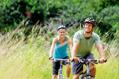 Mountainbike couple outdoors — Stok fotoğraf
