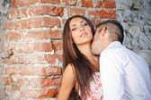 Couple kissing — Stock Photo