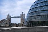 City hall tower bridge london — Stock Photo
