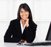 Beautiful young indian businesswoman — Stock Photo
