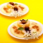 Pears With Chocolate And Vanilla Cream — Stock Photo