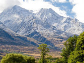 Beautiful snowy mountain peaks South Island of NZ — Stock Photo
