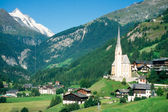 Town of Heiligenblut and Grossglockner in Austria — Stock Photo