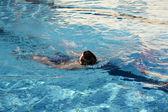 Espalda en el agua — Foto de Stock