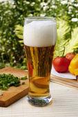 Fresh cooled dark barley beer — Foto Stock