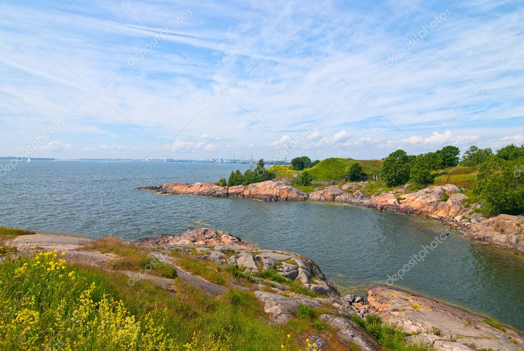 The beach on the island of Suomenlinna. Finland. — Stock Photo #11561455