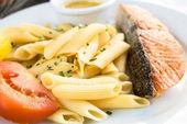 Primo piano di un piatto di pasta — Foto Stock
