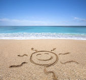 Happy sun on the beach with clear sky — Stock Photo
