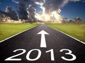 Camino hacia el año 2013 y el fondo del amanecer — Foto de Stock