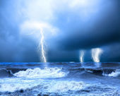 Storm and thunder on the sea — Stock Photo