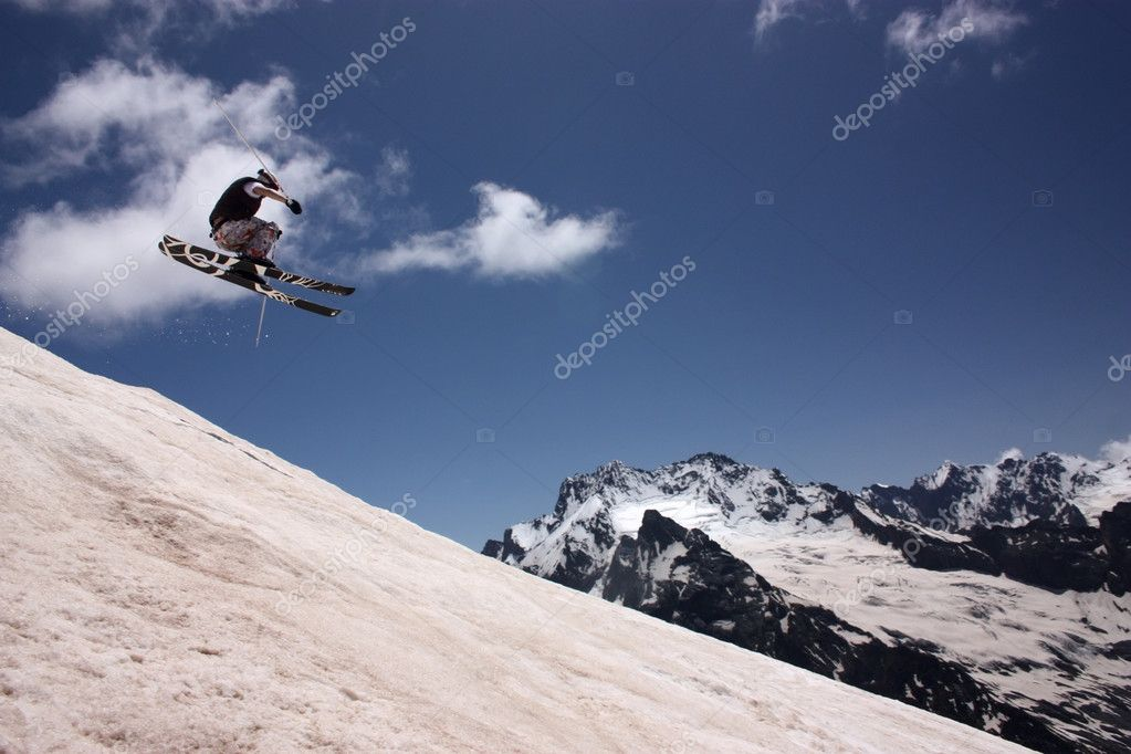 Skier in mountains — Stock Photo #11246534