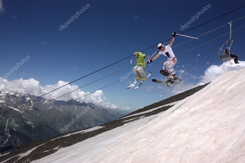 Skiing and ski lift on mountain — Stock Photo #11246682