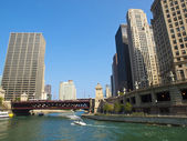 Chicago River under the Michigan Avenue Bridge — Stock Photo