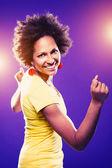 Afro femme américaine danse — Photo