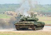 Tanques de batalha demonstram combate — Fotografia Stock