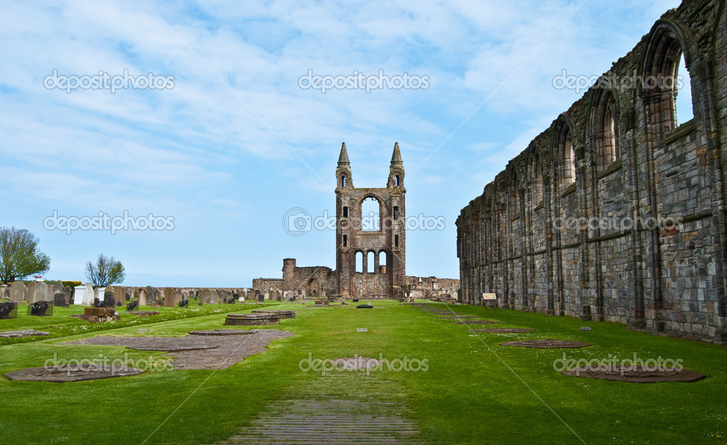 Ruin of St Andrews Cathedral in St Andrews, Scotland — Stock Photo #11685705