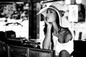 Kobieta w kapeluszu — Zdjęcie stockowe