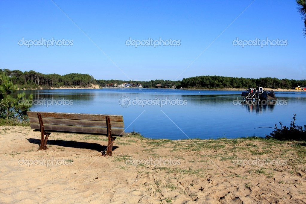 Vue sur un lac en mer  Stock Photo #11745058