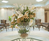 Flower display in a hotel lobby — 图库照片