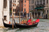 Gondolas on Venice Grand Canal — Stock Photo