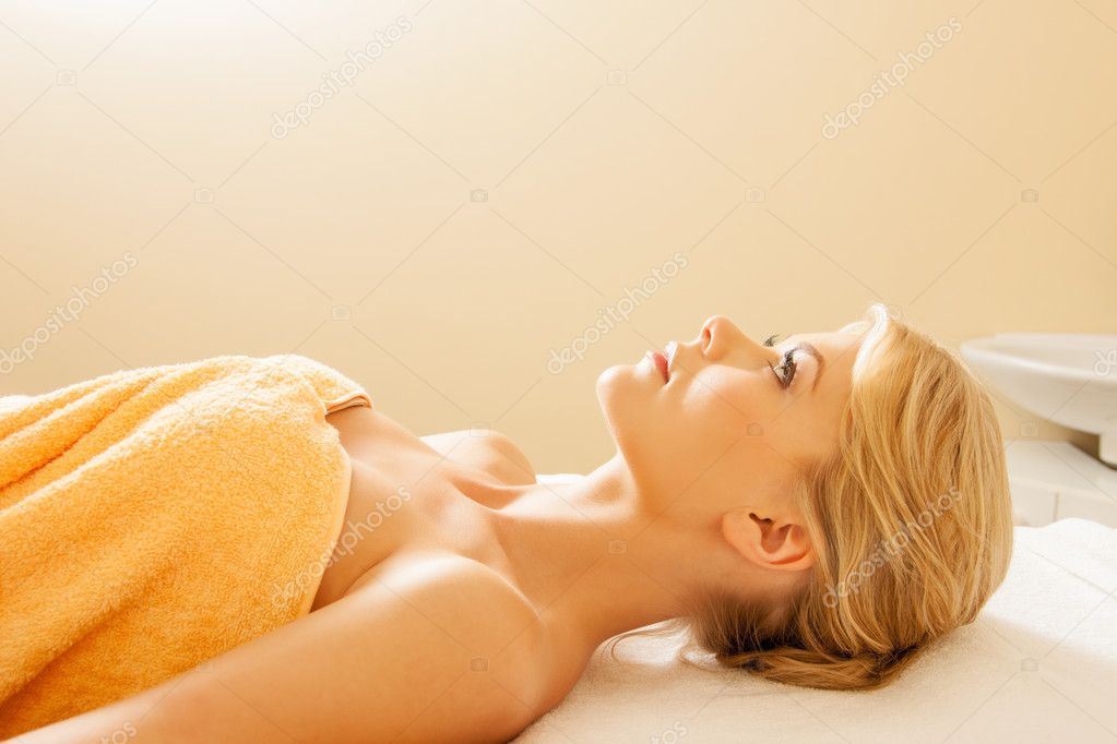 Picture of beautiful woman in spa salon — Stock Photo #11271716