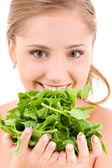 Donna felice con spinaci — Foto Stock