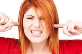 Mutsuz kızıl saçlı kadın — Stok fotoğraf