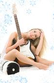 Chica de la guitarra — Foto de Stock