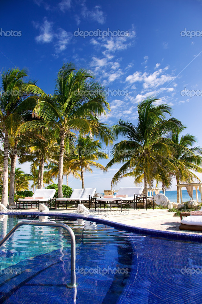 Picture of beautiful caribbean tropical resort — Stock Photo #11760132
