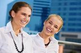 Mujeres empresarias felices — Foto de Stock