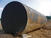Gammal rostig tank — Stockfoto
