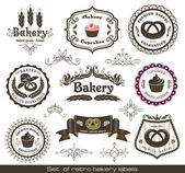 Set of vintage retro bakery labels — Stock Vector