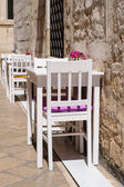 Summer cafe, tables and chairs outdoor — Stock Photo