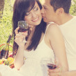 Guy kisses a girl — Stock Photo