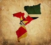 Vintage karte von mosambik auf grunge-papier — Stockfoto