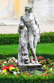 Schonbrunn palace in Vienna Austria - Statue — Stock Photo