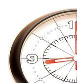 Clásico reloj de pared aislado sobre fondo blanco, mostrando el tiempo — Foto de Stock