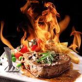 Lezzetli sığır eti biftek — Stok fotoğraf