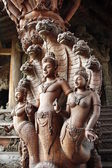 Naga guards Thai Temple entrance — Stock Photo