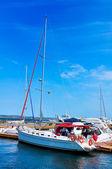 ヨットおよび桟橋 — ストック写真