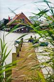 Pêcheurs sur le pont — Photo