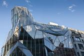 Современные стекла, здание в Бильбао, Испания — Стоковое фото