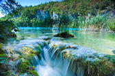 Waterfall and lake — Stock Photo