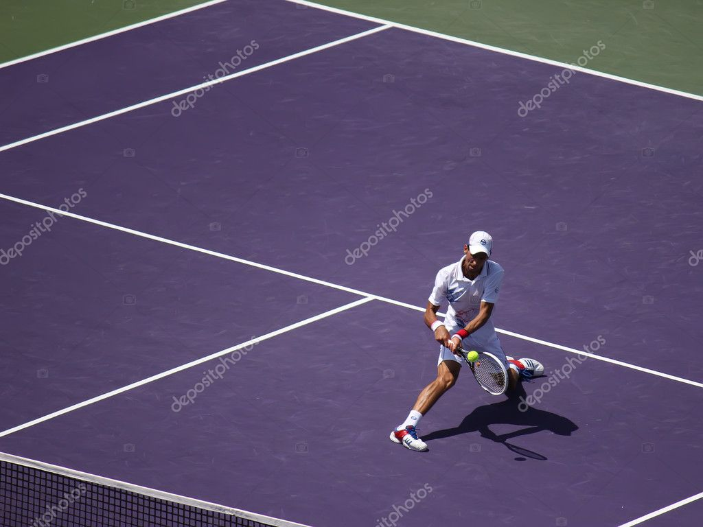 Novak Djokovic at the final match at Sony Ericsson Open in Miami, USA at April 1, 2012. Djokovic defeating Andy Murray 6-1, 7-6(4) to triumph for the third time at Crandon Park — Stock Photo #11068365
