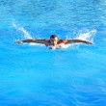 Swimming hard — Stock Photo